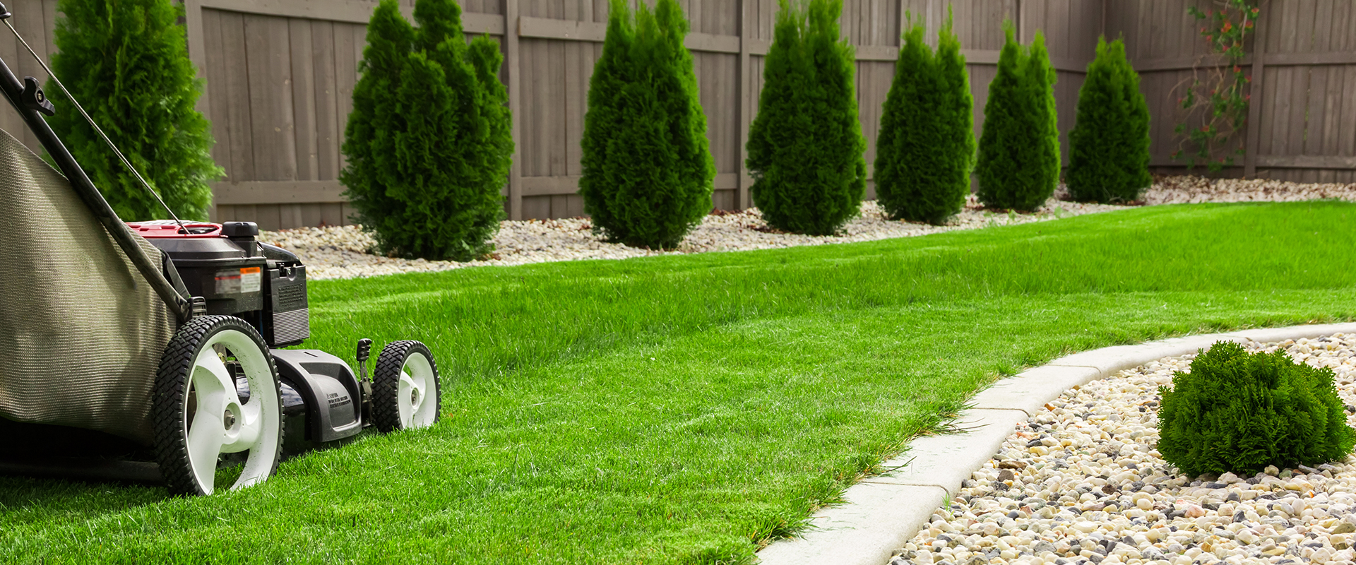 uv-landscaping-home-lawn-care-feature